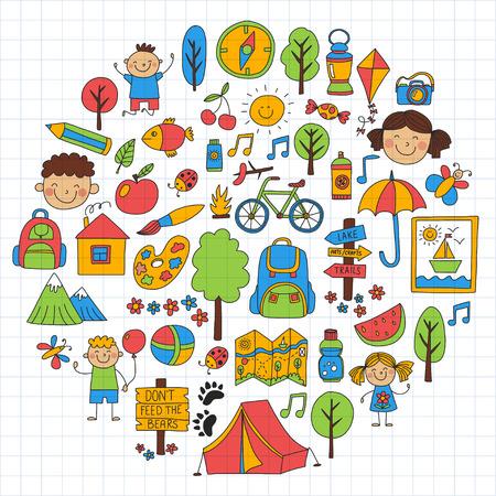 Le camp d'été Les enfants, le camping pour les enfants Les jeux pour les enfants, la randonnée, le chant, la pêche, la marche, le dessin, l'amusement Après les avances d'été scolaire