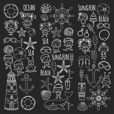Strand met schoolvakantie voor kinderen. Kleine kinderen, kinderdagverblijf, zee, oceaan, vuurtoren. Jongens en meisjes doodle vector iconen en patronen. Stockfoto - 90582033