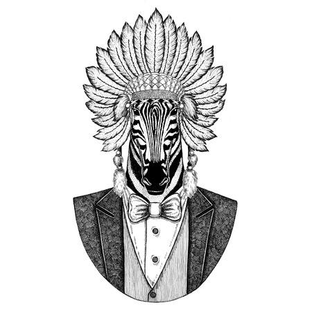 Caballo cebra Animal salvaje con sombrero inidan, vestido con plumas Imagen dibujado con la mano para tatuaje, camiseta, emblema, insignia, logotipo, parche Foto de archivo - 92813480