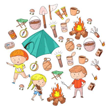 Camping d'été pour enfants Jardin d'enfants, vacances scolaires avec les enfants L'été et l'aventure en plein air Les enfants découvrant le style de dessin Les jeunes scouts explorent la forêt Randonnée et tourisme Banque d'images - 94299010