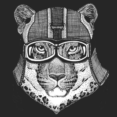 Leopard, jaguar face. Vintage motorcycle leather helmet. Portrait of wild animal. Ilustração