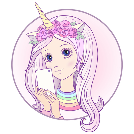 長いマルチカラーのピンクを聞いている若い素敵な女の子と彼女の頭の上にユニコーンホーンとバラは、携帯電話で自分撮りや写真を作ります。ス