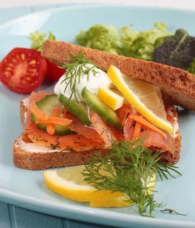 saumon fum�: Sandwich au saumon fum�