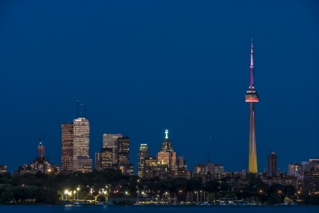 toronto skyline stunning view during dusk Stock Photo - 16829789