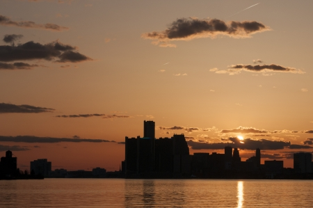 detroit skyline right after sunset with orange glow