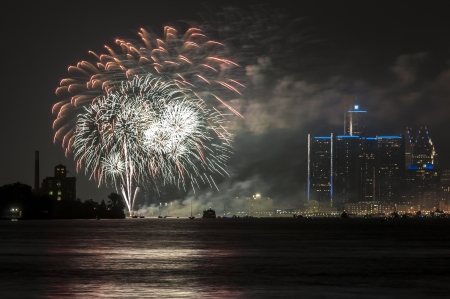 Fireworks over detroit river Stock Photo - 20664401