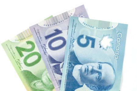 Factures papier canadiennes en 5 10 et 20 dollars