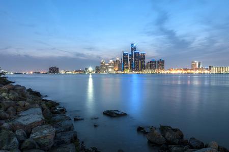 Detroit skyline at the shore of windsor ontario Standard-Bild