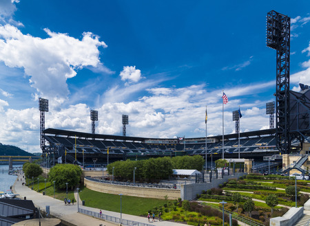 northeast ohio: Downtown pittsburgh PNC base ball park.
