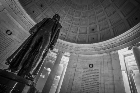 Statue of Thomas Jefferson in washington dc