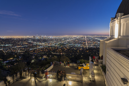 A view of downtown Los Angeles from Griffith Observatory. Banco de Imagens - 52505768
