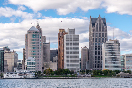 windsor: Broad daylight city skyline of Detroit michigan.