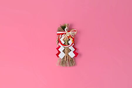 Japan's New Year Ornament on Pink Background 스톡 콘텐츠