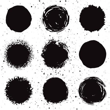 encre: Ensemble de 9 dessinés à la main des formes grunge de fond. taches d'encre isolées. Illustration