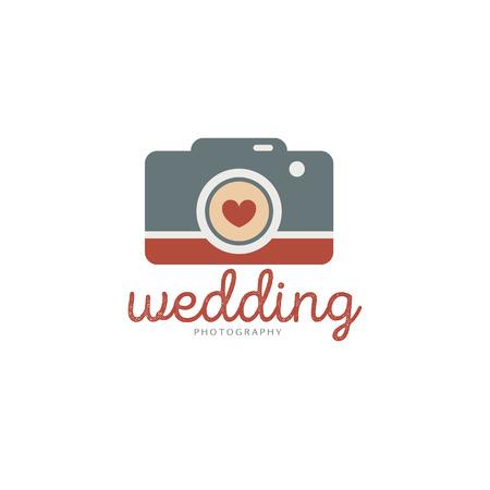 結婚式写真のロゴのテンプレートです。クリエイティブな写真スタジオ フラット アイコン。愛物語写真エンブレム。ヒップスター カメラマン ラベルとビンテージ スタイルのバッジ