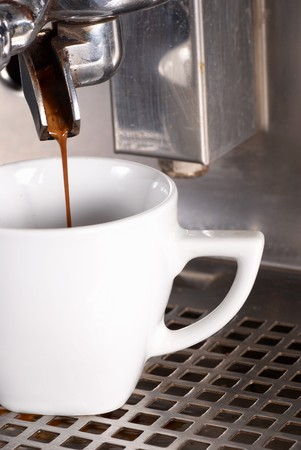 percolate: Preparing a strong black coffee with a professional machine