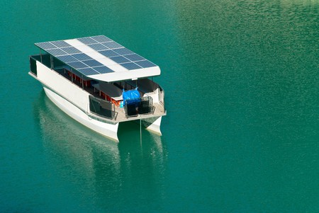 the mooring: Innovative solar boat mooring in lake waters