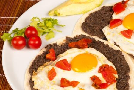 心のこもったメキシコ ウェボスランチェーロス卵朝食