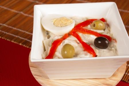 huzarensalade: Kom met een mediterrane versie van huzarensalade