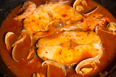 hake: Cooking hake in cider sauce, a traditional Spanish recipe