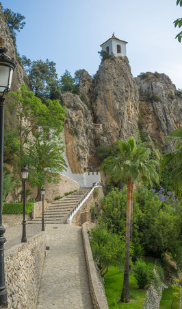 tourist destinations: Guadalest, one of the most popular tourist destinations in Spain