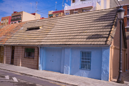 mediterranean house: Traditional Mediterranean house in Valencia old fishing quarter