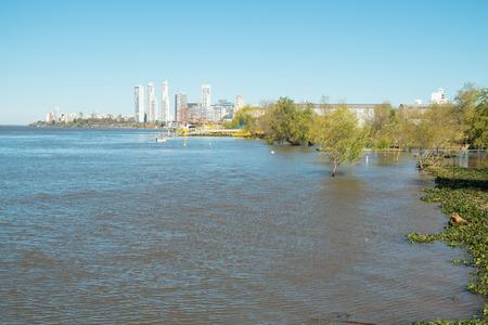 ロザリオ、アルゼンチンのパラナ川のほとり 写真素材 - 54295957