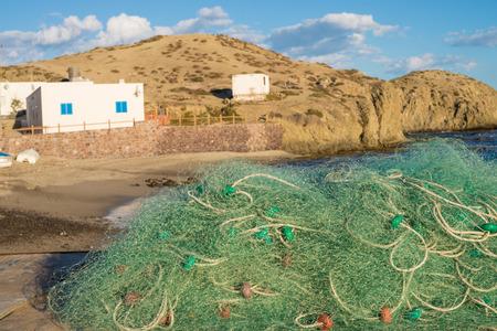 redes de pesca: redes de pesca tradicionales en un peque�o puerto del Mediterr�neo