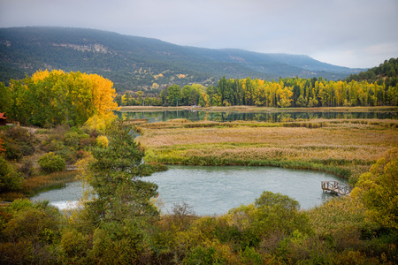 mancha: Autumn colors in Cuenca, Spain