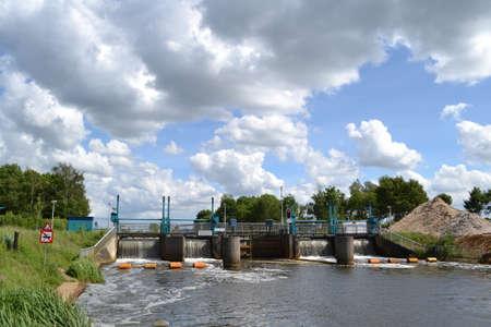 sluice: sluice De Pol in river Oude IJssel