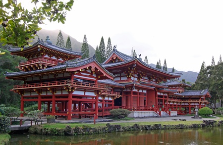 valley of the temples: Byodo-In Temple at the Valley of the Temples (Oahu, Hawaii) Stock Photo