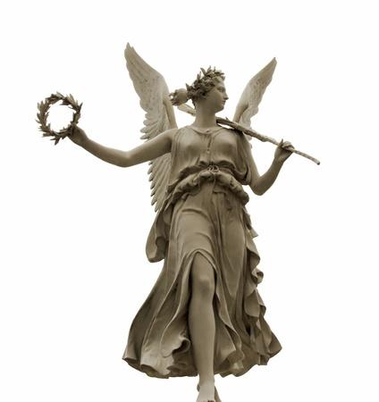 diosa griega: Vista frontal de una estatua de la diosa Nike, aislados en fondo blanco Foto de archivo