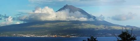 Volcano Mount Pico at Pico island,  Azores - Panorama Фото со стока - 17061749