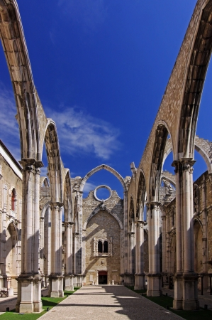 The ruins of the Carmo Church, which was destroyed in the earthquake 1755  Lisbon, Portugal  Standard-Bild