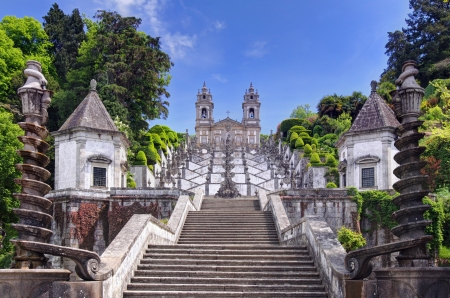 monte: Stairway to the church of Bom Jesus do Monte in Braga, Portugal