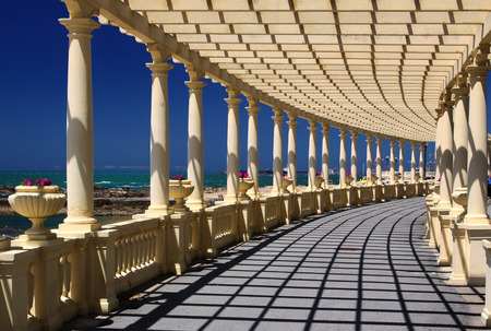Coastal way with Pergola at Foz do Douro, not far from Oporto Фото со стока - 26602408