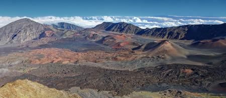 attraktion: Caldera of the Haleakala volcano  Maui, Hawaii  - HDR Panoramic view Stock Photo