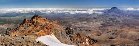 tongariro national park: Panoramic view with Mt. Ngauruhoe at Tongariro National Park (New Zealand)