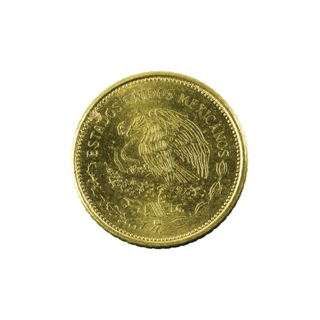 5 mexican peso coin (1985) reverse isolated on white background