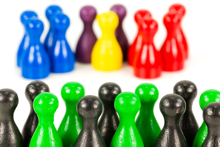 green and black halma cones against red, blue, purple, blue and yellow halma cones indicating majority ratios and group constelation