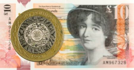 2 Pounds coin against 10 Pounds Sterling note issued by Royal Bank of Scotland reverse