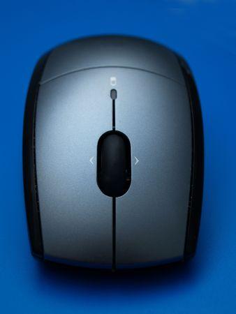workspaces: Cerca de un rat�n inal�mbrico Foto de archivo