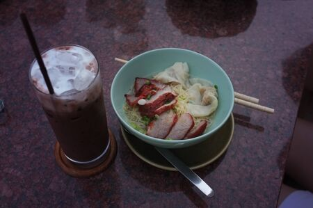 Egg noodle with red roast pork , Thai food Lunch menu set Stockfoto