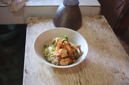 Thai cuisine , Egg noodles with shrimps