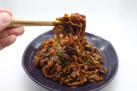 Korean Black bean noodle or jajangmyeon - noodle with black sauce Standard-Bild