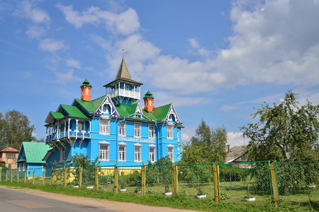 sobriety: The building of the Church-commune societies Brother John Churikov in Vyritsa in the summer. Russia .