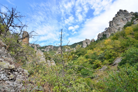 Mountain gorge in the valley of ghosts. Crimea 版權商用圖片
