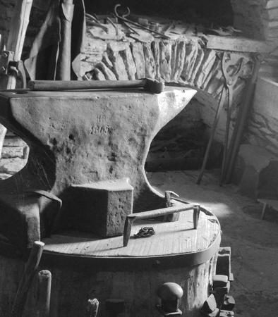 anvil: 1865 Anvil and Hammer in BW