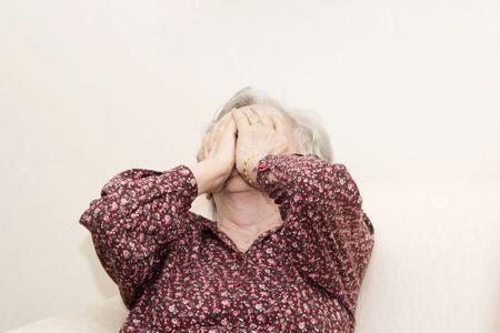 abuela: Retrato de familia, llorando vieja sesi�n Foto de archivo