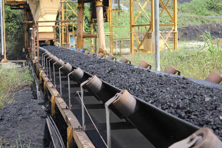 View coal from nearby on the belt conveyor